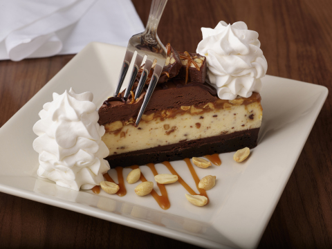 Chocolate Caramelicious Cheesecake Made With Snickers® (Photo: Business Wire)