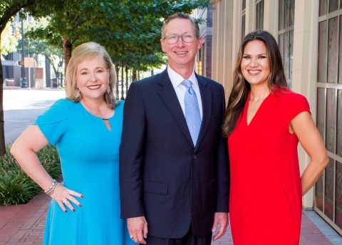 Susan Medina (l), founder of SKM Communication Strategies, and Tom Stallings and Brooke Goggans, co-founders of Mosaic Strategy Partners, announced a strategic alliance of their Fort Worth-based firms. (Photo: Business Wire)
