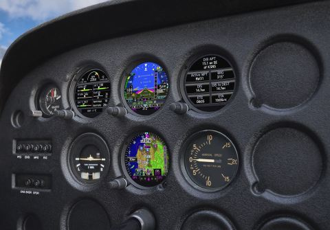 GI 275 electronic flight instrument displaying GFC 500 autopilot mode annunciations. (Photo: Business Wire)