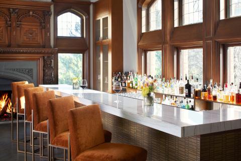 1894 Fireside Bistro & Bar at Wyndhurst Manor & Club. (Photo: Business Wire)