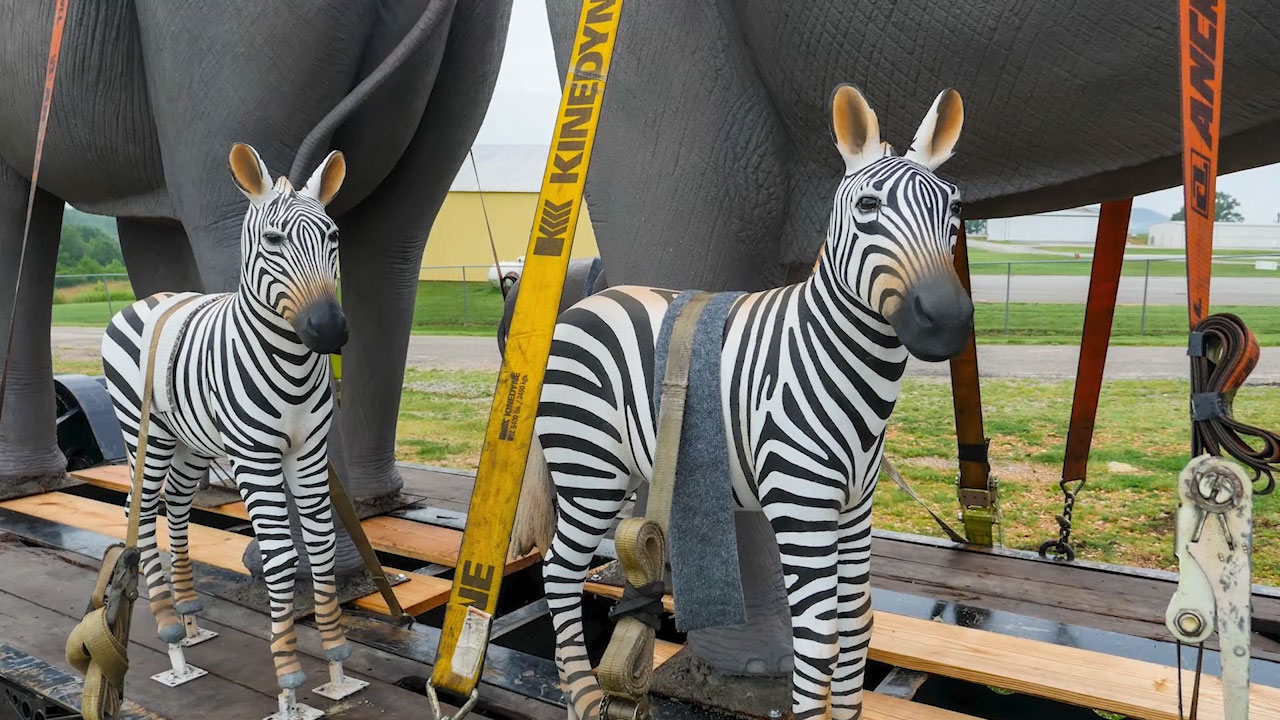 22 life-size animal sculptures traveled through Texas as part of Kalahari on Safari to celebrate the resort's opening date on Nov. 12.