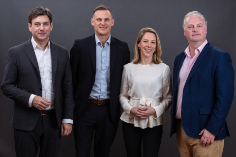 kompany Management Team. Von links nach rechts: Russell E. Perry, Founder & CEO; Andrew Bunce, Chief Product Officer; Johanna Konrad, Chief Operating Officer; Peter Bainbridge-Clayton, Founder & CTO; (Photo: Business Wire)