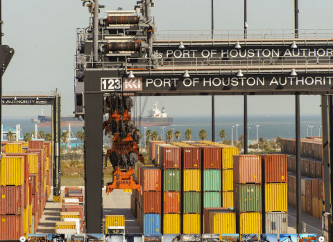 Container activity at Port Houston's public terminals.  (Photo: Business Wire)