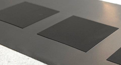 Die weltweit ersten funktionsfähigen Batteriezellen mit gedruckten Elektroden wurden erfolgreich getestet (Foto: Business Wire)