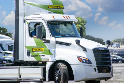 J.B. Hunt completed its first delivery using the Freightliner eCascadia, Daimler Trucks North America's (DTNA) all-electric Class 8 truck. (Photo: Business Wire)