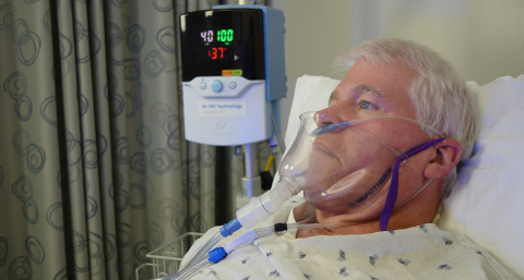 Patient treated with Vapotherm high velocity therapy while using the FELIX-1 negative pressure scavenger kit (Photo: Business Wire)