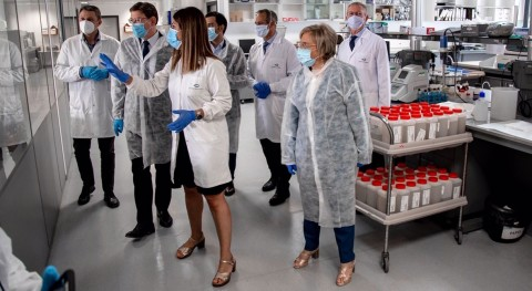 Local health authorities visiting GoAigua's laboratories in Valencia (Spain) (Photo: Business Wire)