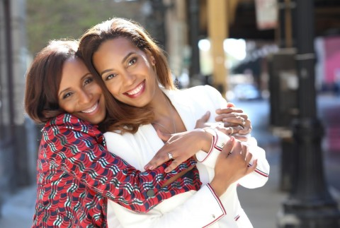 Kelly Pope (left) and Roni Jackson (right), founders of Red Flag Mania (Photo: Business Wire)