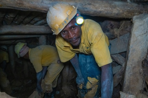A worker inside a tin mine run by the Comikagi cooperative, near Nyamugali, Rwanda. A team from Intel's Responsible Minerals Program, as well as representatives of other tech firms, visited mineral-rich Rwanda in November 2019 as part of an industry effort to ensure a legal and ethical supply chain. Tin, tantalum, tungsten and gold mined in the Central African country are key components of silicon chips that run today's smartphones, laptops, servers and other high-tech gear. (Credit: Walden Kirsch/Intel Corporation)