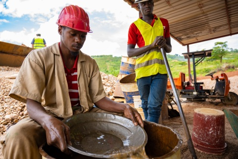 A miner at the Piran Resources Ltd. mine, near Kigali, Rwanda. A team from Intel's Responsible Minerals Program, as well as representatives of other tech firms, visited mineral-rich Rwanda in November 2019 as part of an industry effort to ensure a legal and ethical supply chain. Tin, tantalum, tungsten and gold mined in the Central African country are key components of silicon chips that run today's smartphones, laptops, servers and other high-tech gear. (Credit: Walden Kirsch/Intel Corporation)