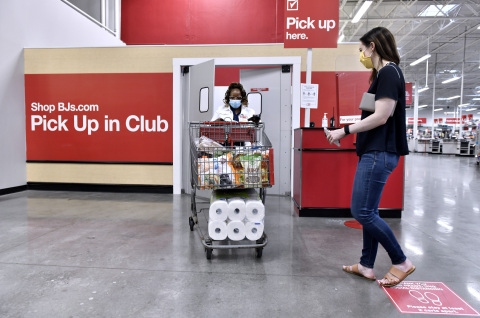 BJ's Wholesale Club announces the expansion of its buy online, pick up in-club service on August 21, 2020 to include fresh and frozen grocery items. The expansion of the service is currently available in select clubs and will be available at all locations by the end of October 2020. (BJ's Wholesale Club Photo/Josh Reynolds)