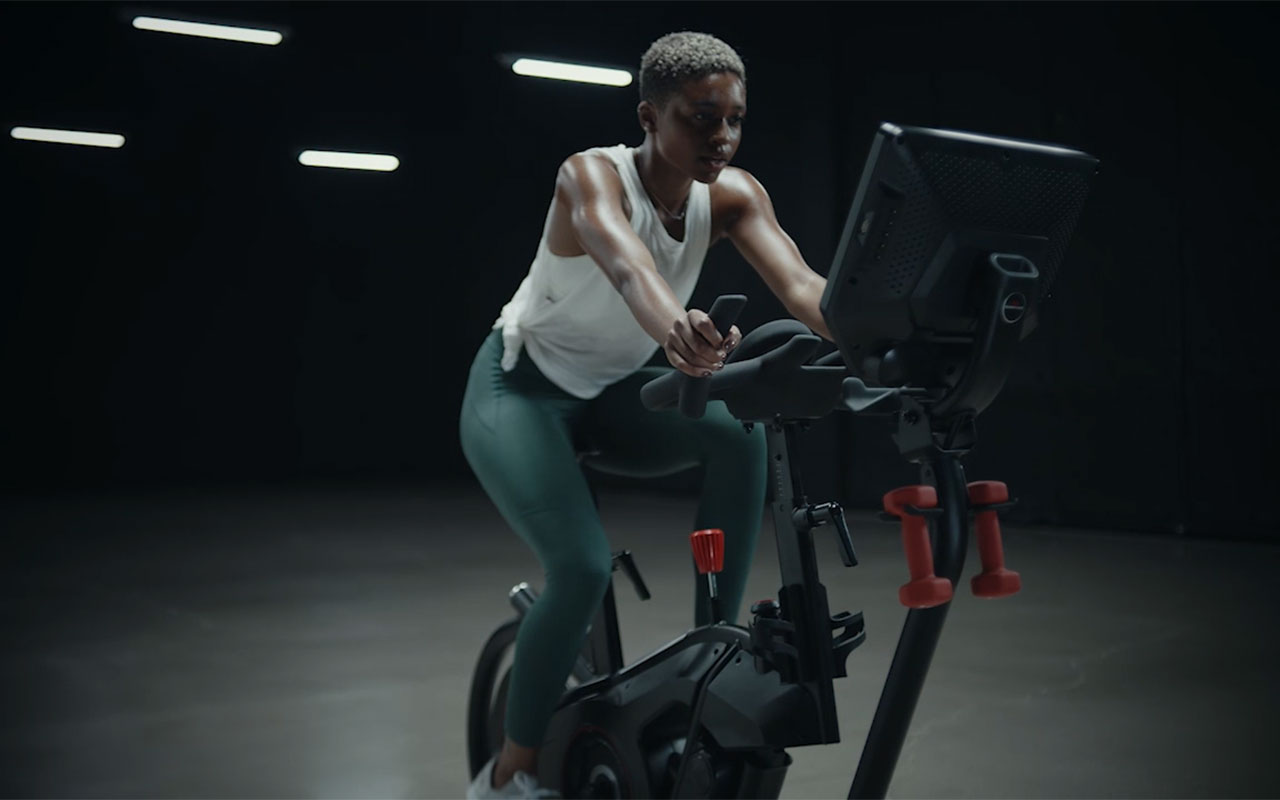 For the first time, consumers can choose their riding style – leaning or stationary mode. Bowflex® VeloCore™ (un) stationary bike offers digital connectivity for a dynamic full body workout and an immersive digital experience.