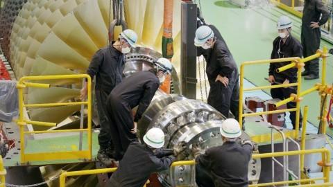 A Mitsubishi Power continua o seu legado de serviços exemplares com especialistas, incluindo estes empregados na Takasago Works no Japão, prontos para trabalhar em conjunto com os clientes para abordar os desafios comerciais e cocriar o futuro da energia. (Photo: Mitsubishi Power)