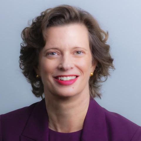 CARE总裁兼首席执行官Michelle Nunn (照片:玫琳凯公司)