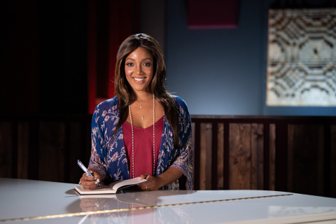 Country Music star Mickey Guyton will appear in a special moment airing during the 55th Academy of Country Music Awards on September 16 at 8pm ET/PT on CBS to help raise awareness around the issue of hunger during the COVID-19 pandemic. (Photo: Business Wire)
