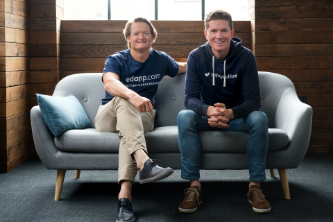 SafetyCulture CEO Luke Anear and EdApp CEO Darren Winterford (Photo: Business Wire)