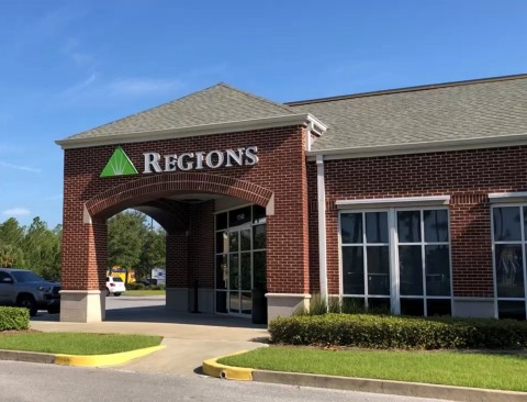 Special services announced by Regions Bank are designed to help people and businesses along the Gulf Coast. (Photo: Business Wire)