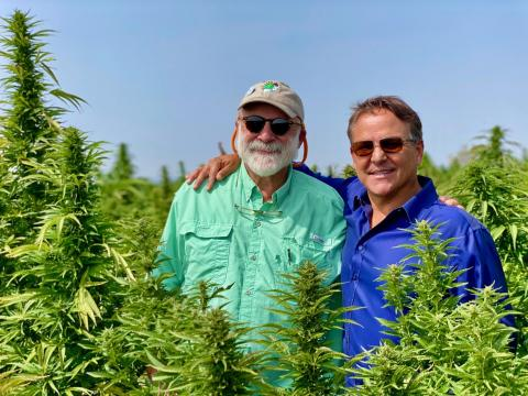 (left to right) Steven Gluckstern, CEO of Santa Fe Farms and chair of the Board of Managers; Jeff Apodaca, Vice Chairman of the Board of Managers of Santa Fe Farms and CEO of H47, Santa Fe Farms' post cultivation service enterprise (Photo: Business Wire)
