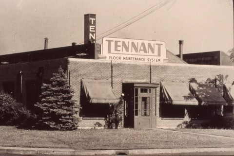 An early Tennant Company office in Minneapolis. The company has maintained a presence in the Minneapolis-St. Paul area continuously from its inception through today. (Photo: Tennant Company)