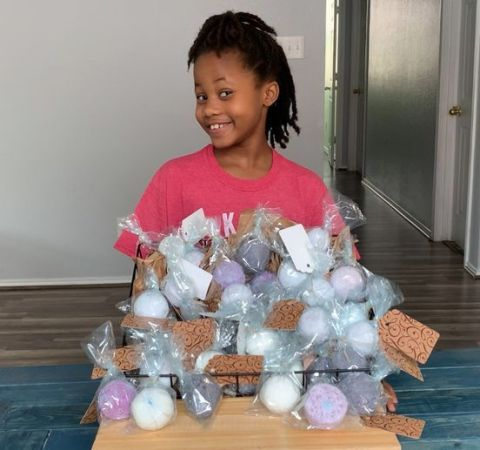 Small businesses launched by local students take entrepreneurship to new heights with Boss Club Foundation Summer Camp. (Photo: Mary Kay Inc.)