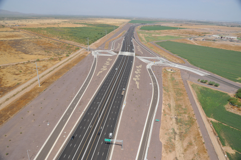 Fluor-Led Loop 202 South Mountain Freeway project in Arizona is a finalist for top national awards. (Photo: Business Wire)