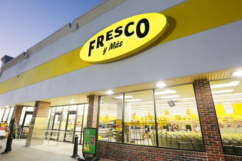 Southeastern Grocers will reveal the newest Fresco y Más store, and the grocer's 27th location, on Oct. 21 in Lehigh Acres, Florida. (Photo: Business Wire)