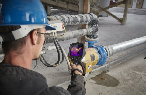 The FLIR E96 camera with on-camera routing capability, combined with FLIR Thermal Studio Pro software is used to identify mechanical issues on a factory floor. (Photo: Business Wire)