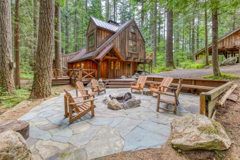 Sycamore Lodge: a Vacasa vacation rental in Rhododendron, Oregon. (Photo: Business Wire)