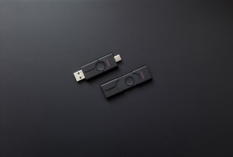 DT Duo's dual interface accommodates USB Type-A and Type-C ports (Photo: Business Wire)