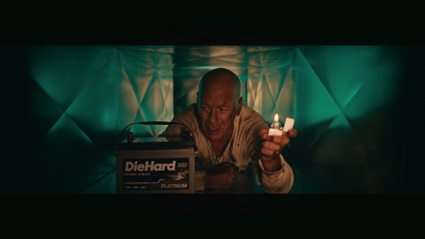 """Advance Auto Parts brought together DieHard the battery and """"Die Hard"""" the motion picture in a 2-minute film in which Hollywood legend Bruce Willis reprises his role of Detective John McClane. (Photo: Business Wire)"""