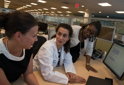 Dr. Negin Hajizadeh and colleagues. (Credit: Feinstein Institutes for Medical Research)
