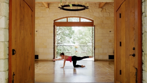 Miraval Austin fitness specialist Robyn Riojas teaches a strength and mobility routine, which can be replicated in any space. (Photo: Business Wire)