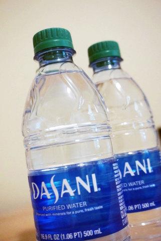 Coca-Cola's Dasani bottled water brand using CSI's PCR beverage closure (Photo: Business Wire)