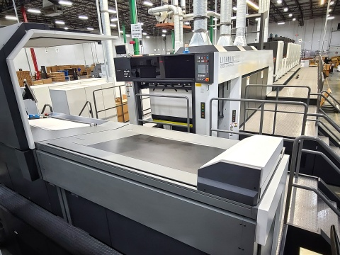 PaperWorks has installed a new, fully-equipped, 41-inch, seven-color Komori Lithrone GX40 (GLX740) offset press with multiple coaters at its Greensboro, North Carolina facility. (Photo: Business Wire)