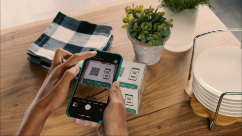 Scan to Order for Clover enables restaurants to operate in a pandemic-conscious, digitally driven world. (Photo: Business Wire)