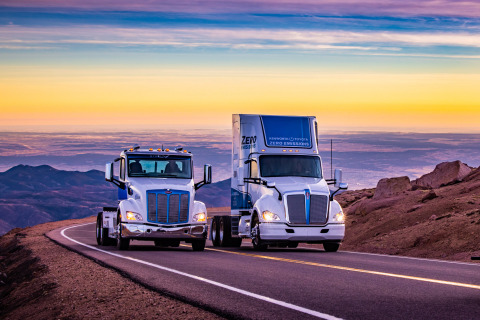 Peterbilt Model 579EV and Kenworth T680 Fuel Cell Trucks Ascend Pikes Peak (Photo: Business Wire)