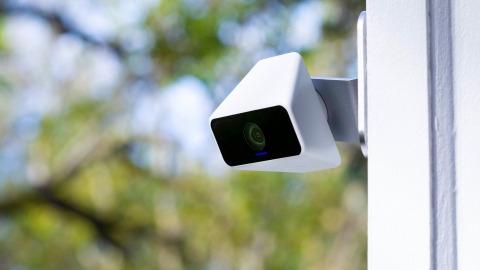 Xfinity's new Self Protection service gives customers a way to protect themselves with 24/7 video recording cameras for $10/month. (Photo: Business Wire)