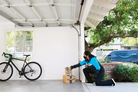 Originally launched in 50 cities, the Key In-Garage Delivery service is expanding to Prime members in over 4,000 cities and towns across the U.S. including: New York, Los Angeles, Chicago, Philadelphia, Dallas, Washington D.C., Houston, Boston, Atlanta and Phoenix; and thousands of surrounding areas. (Photo: Business Wire)