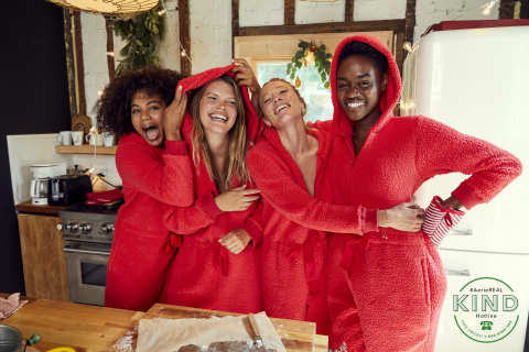 Aerie Holiday '20 Campaign (Photo: Business Wire)