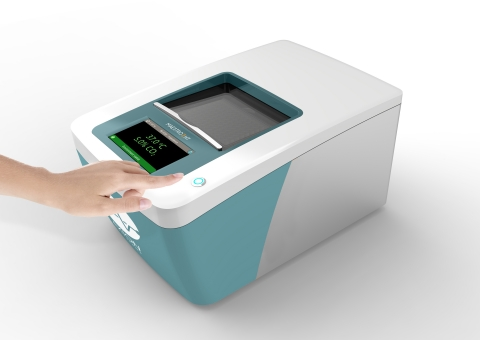 Axion BioSystems' Maestro ZHT live-cell screening platform (Photo: Business Wire)