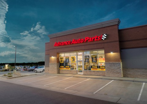 Advance Auto Parts open at 7:30 a.m. on Black Friday and free curbside pickup is available for most in-stock products. (Photo: Business Wire)