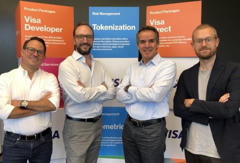 Rubén Salazar, vicepresidente senior de productos e innovación de Visa para América Latina y el Caribe; Serge Elkiner, CEO y Fundador de YellowPepper; Eduardo Coello, presidente regional de Visa para América Latina y el Caribe, y Alexander Sjögren, CTO de YellowPepper en el Centro de Innovación de Visa en Miami en Octubre 2018.