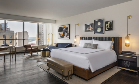 A premier king room at the new Thompson Dallas (Photo: Business Wire)