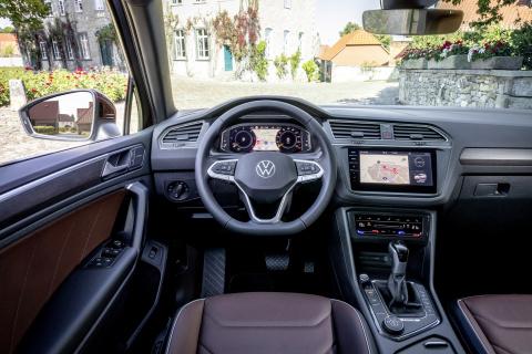 Volkswagen Tiguan R-Line (Bildquelle: Volkswagen AG). Mit seinen Stratasys J850 3D-Druckern ist das Volkswagen Vorserien-center in der Lage, ultra-realistische Prototypen für Anwendungen im Fahrzeuginnenraum zu drucken. (Foto: Business Wire)