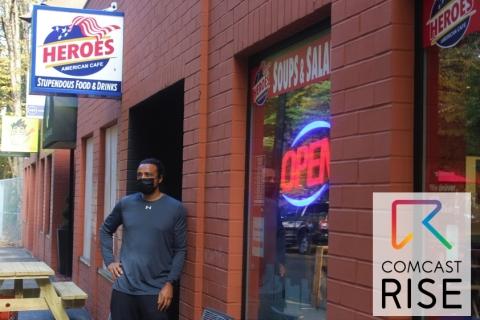 Heroes American Café eigenaar John Jackson in het centrum van Portland. (Foto: Business Wire)