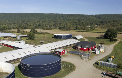 The Vanguard Renewables Farm Powered anaerobic digester at Bar-Way Farm in Deerfield, MA converts unavoidable food waste and dairy manure into renewable energy. Vanguard Renewables has Farm Powered anaerobic digester projects in development nationwide to support farms and the food industry. Farm-based anaerobic digestion significantly reduces greenhouse gas emissions and provides a pathway toward decarbonization of thermal energy usage. The Farm Powered Strategic Alliance accelerates long-term commitments to avoid or eliminate food waste first and repurpose what can't be eliminated into renewable energy. Photo credit: Vanguard Renewables