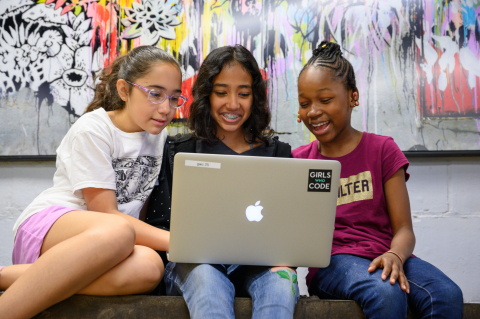 Logitech teams Up with Girls Who Code, supporting its mission to close the gender gap in tech, helping young girls discover a passion for engineering and creativity through a series of collaborative tactics (Photo: Business Wire)