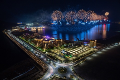 Ras Al Khaimah ushers in 2021 with one of the world's largest fireworks displays (Photo: AETOSWire)