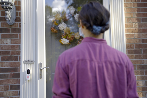 Some of the most advanced video intelligence available rapidly identifies people so the Alarm.com Touchless Video Doorbell automatically rings. (Photo: Business Wire)