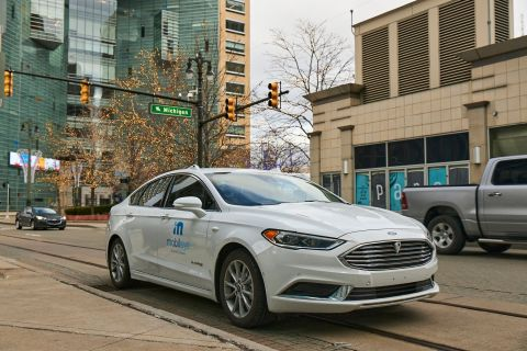 A self-driving vehicle from Mobileye's autonomous test fleet navigates the streets of Detroit. (Credit: Mobileye, an Intel Company)